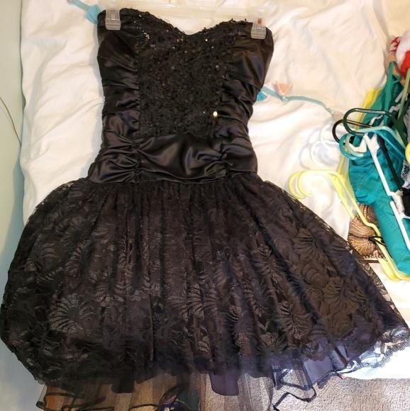 Zum Zum by Niki Livas Dresses & Skirts - Vintage Cocktail dress